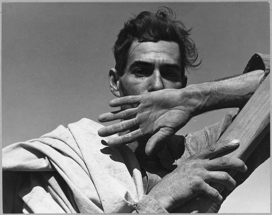 dorothea-lange-migratory-cotton-picker-eloy-arizona-1940